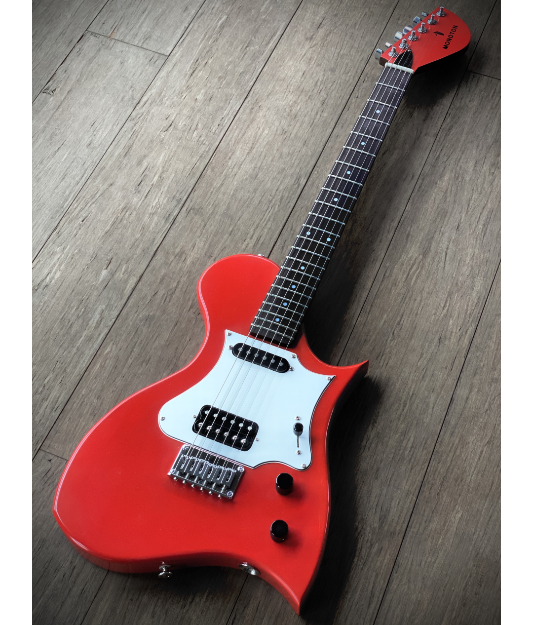 Monoton RedSkirt Electric Guitar full lenght